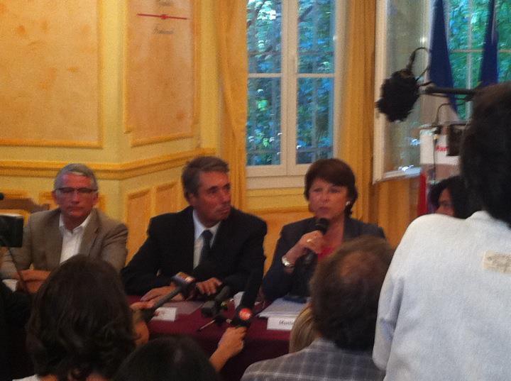 Août 2011 -  A Marseille, autour de Martine Aubry, pour accompagner Pierre Cohen et les maires socialistes qui dénoncent l'échec de Sarkozy: Guéant en matière de sécurité et la baisse constante des effectifs de la police.