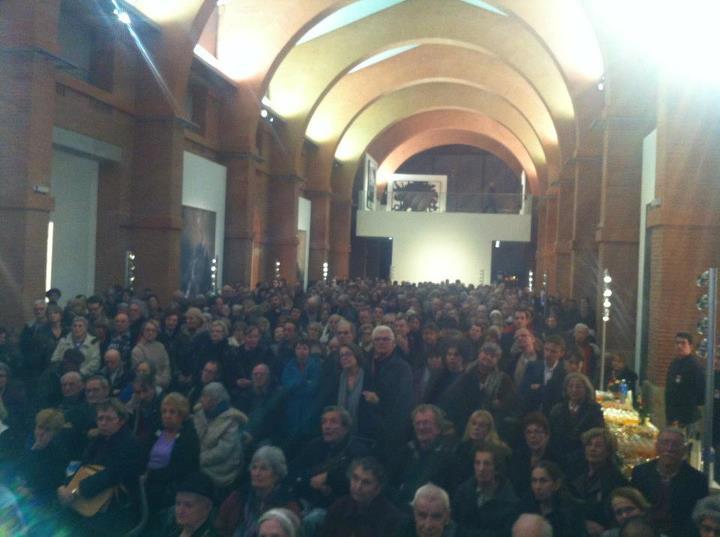 Janvier 2011 - La grande foule aux Abattoirs pour la cérémonie des vœux dans le secteur rive gauche