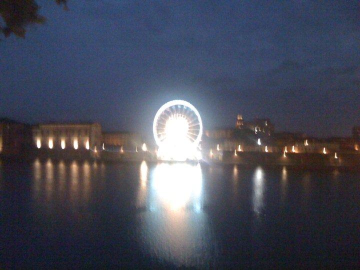 Juillet 2010 -  Une grande roue pour Toulouse Plage
