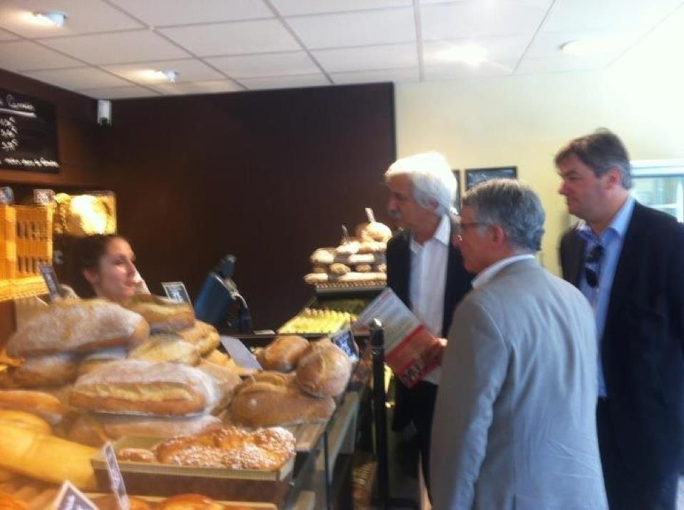 Juin 2012 -  Campagne électorale avec François Simon et Pierre Cohen au centre commercial de Firmis