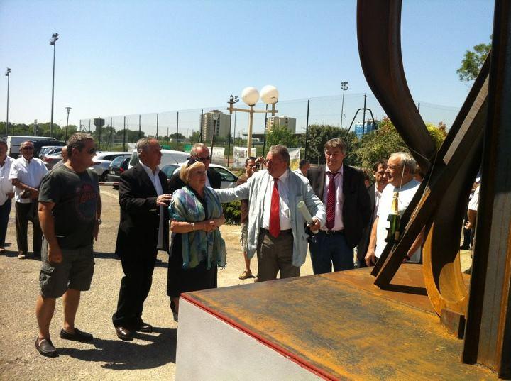 Juin 2012 -  Inauguration de la sculpture de Jean Pierre Rives à l'occasion du centenaire du TOEC, son club formateur