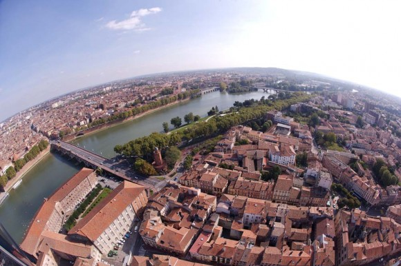 S'étendant sur 11 830 hectares, la Ville de Toulouse vient de se doter d'un nouveau PLU préconisant l'urbanisation le long des axes de transp